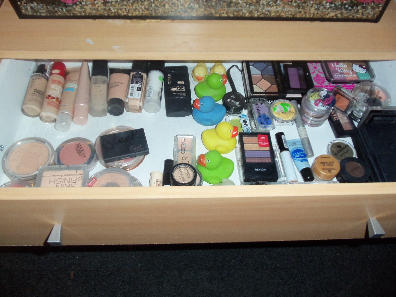 Make Up Kast : Nieuwe make up kast patriesja